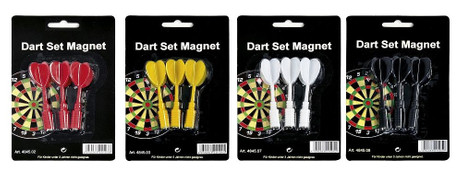 Replacement magnetic darts for magnetic dartboard