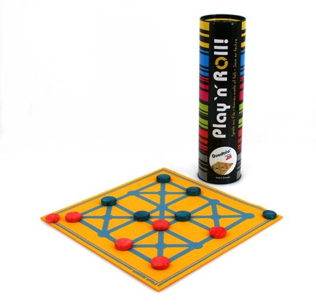 Play ´n´ Roll Quadtria on neon yellow woolfelt - classic boardgame in the can