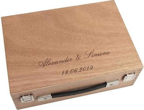 Wooden case for 6 boules with nice engraving, idea as present